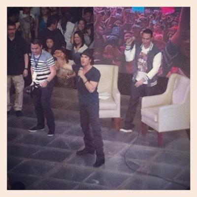 Йен на встрече с фанатами в SM Mall в Маниле [24 мая]