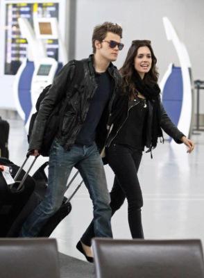 Пол и Торри в Нью-Йорке и аэропорту Торонто