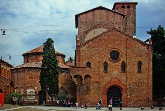 """Болонья. Вид на комплекс """"Семь церквей"""" со стороны площади Сан-Стефано."""