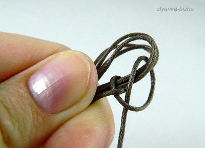Как сплести простой браслет макраме.